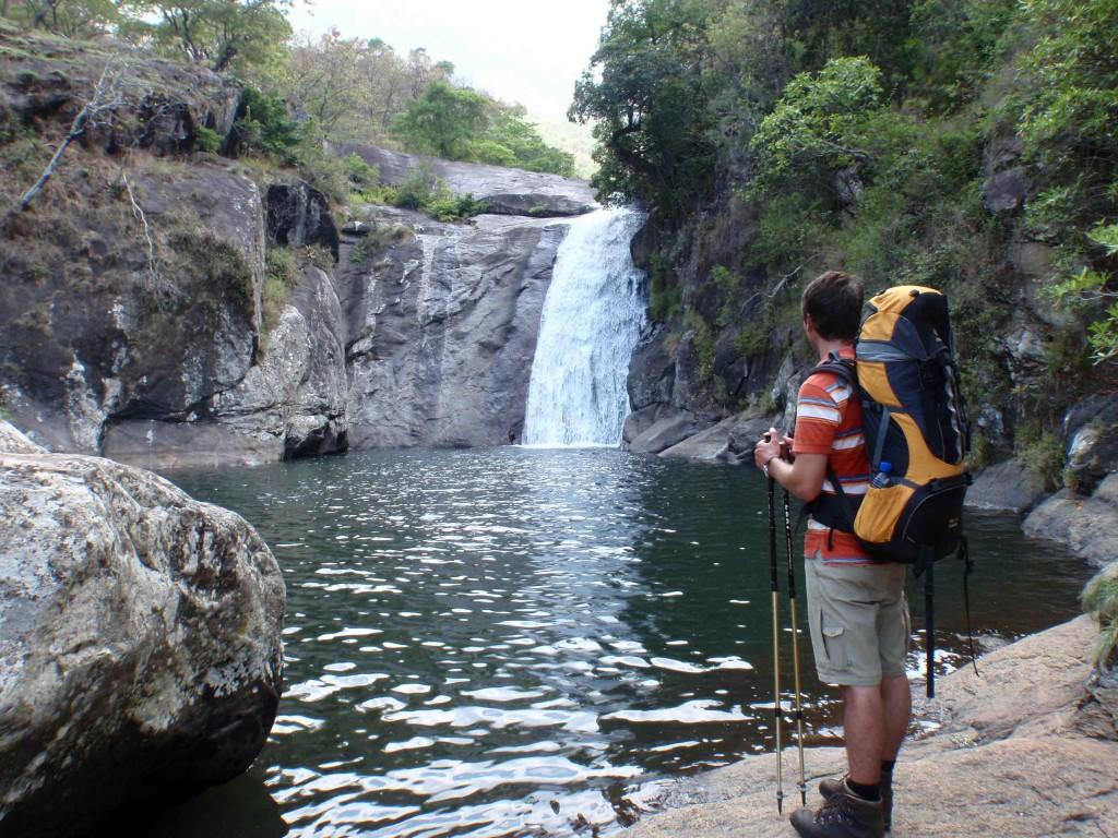Hannes vid vattenfall