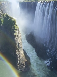 Toward_the_main_part_of_the_Victoria_Falls